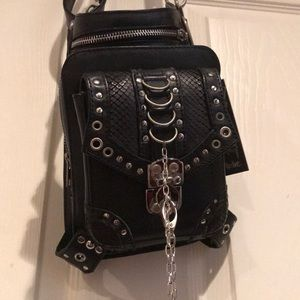 Apocalyptic holster-purse, multiple ways to wear
